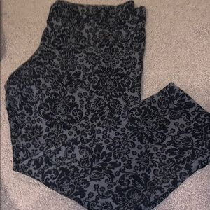 Dark Gray and Black Floral Capri AERIE Leggings